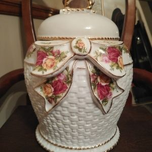 ROYAL ALBERT COOKIE JAR